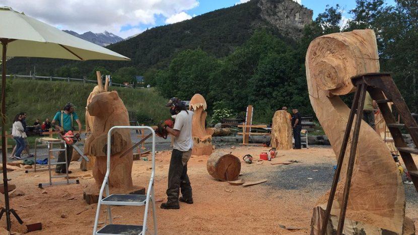 Méolans-revel Fête du bois